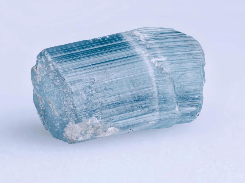Pierre de tourmaline bleue